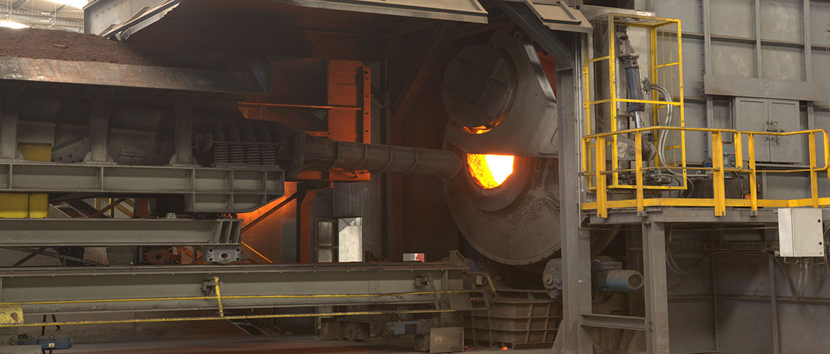 Rotary furnace for lead recycling plant